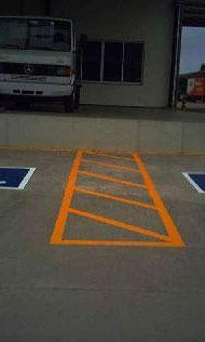 Piso epóxi para estacionamento
